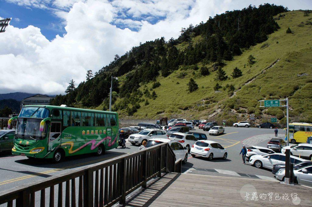 卡蘿的背包旅行-合歡山遊客中心停車場