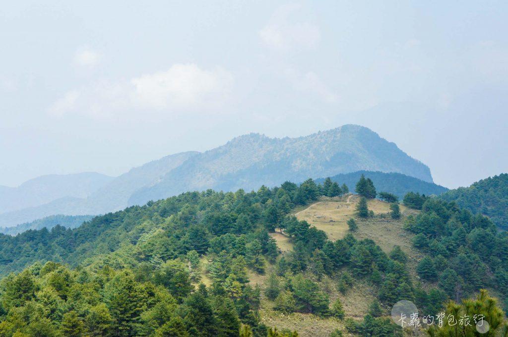 鹿林山遠眺麟趾山